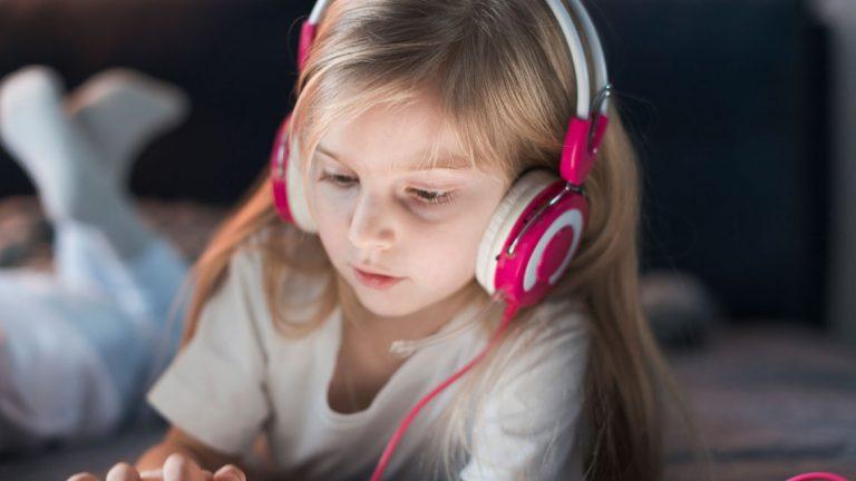 کودک و کتاب صوتی