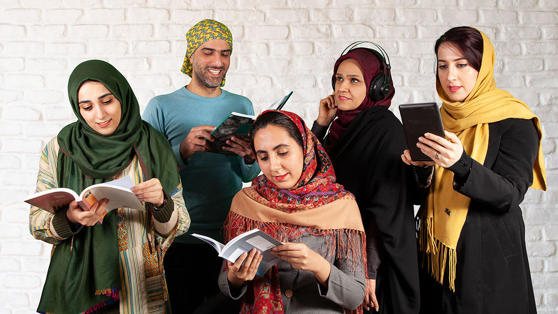معرفی کتاب های مفید برای مطالعه به پیشنهاد اعضای تیم طاقچه